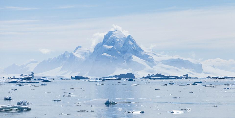 Antarctique - Page 4 2710