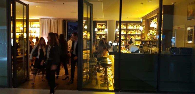 New Rose Cocktail Bar 40991610