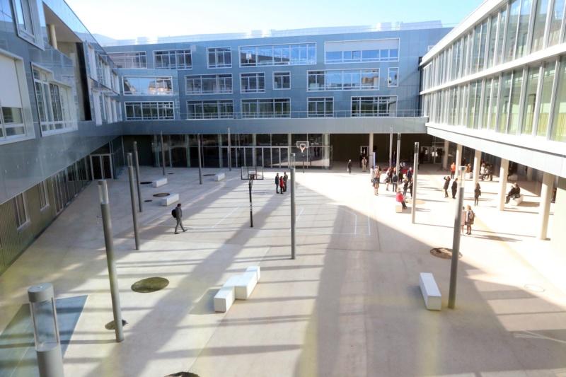 Informations sur le lycée du trapèze 42472010