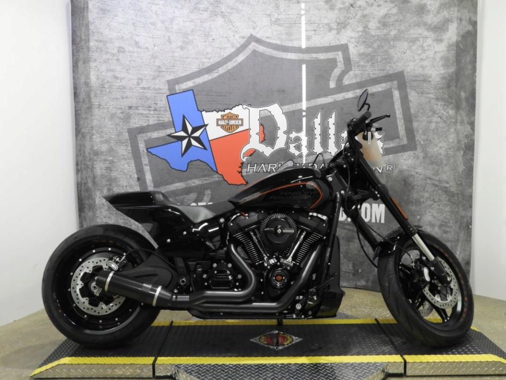 Travail de Thunderbike sur la FXDR... Image225