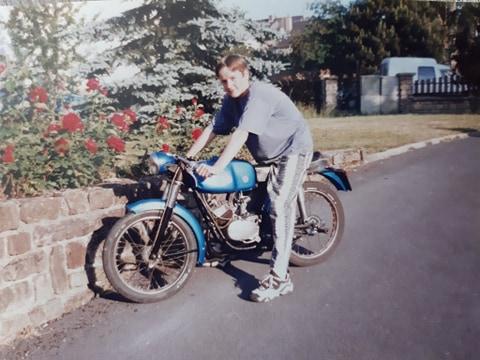 Vos photo d'époque cyclo temps des yéyés garage  93407210