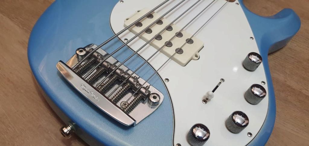 Vendo MusicMan Stingray5 2011 (JÁ NEGOCIADO) Whatsa50