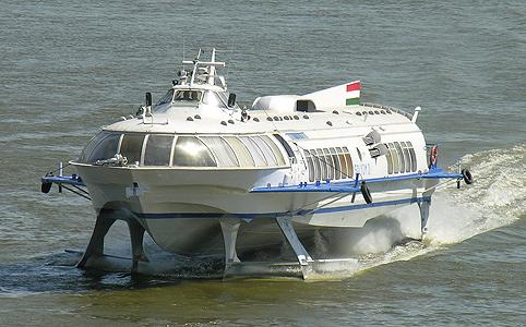 Tragflügelboote 210
