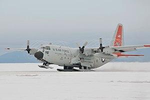 Polarflug mit einer LC-130 Hercules. 300px-14
