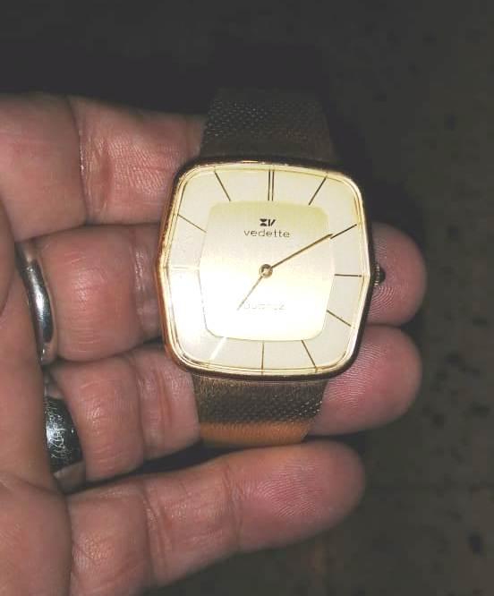 [Postez ICI les demandes d'IDENTIFICATION et RENSEIGNEMENTS de vos montres] - Page 37 Img-0213