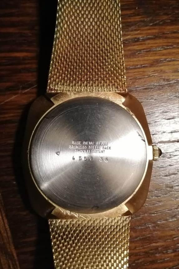 [Postez ICI les demandes d'IDENTIFICATION et RENSEIGNEMENTS de vos montres] - Page 37 Img-0214