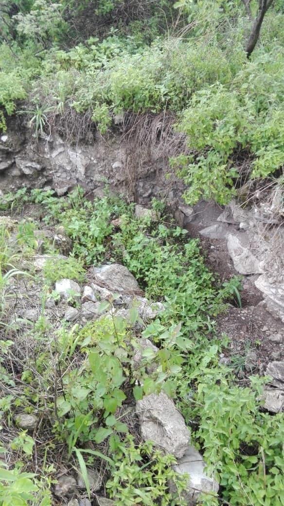 Encontré excavación en un cerro  Ap910