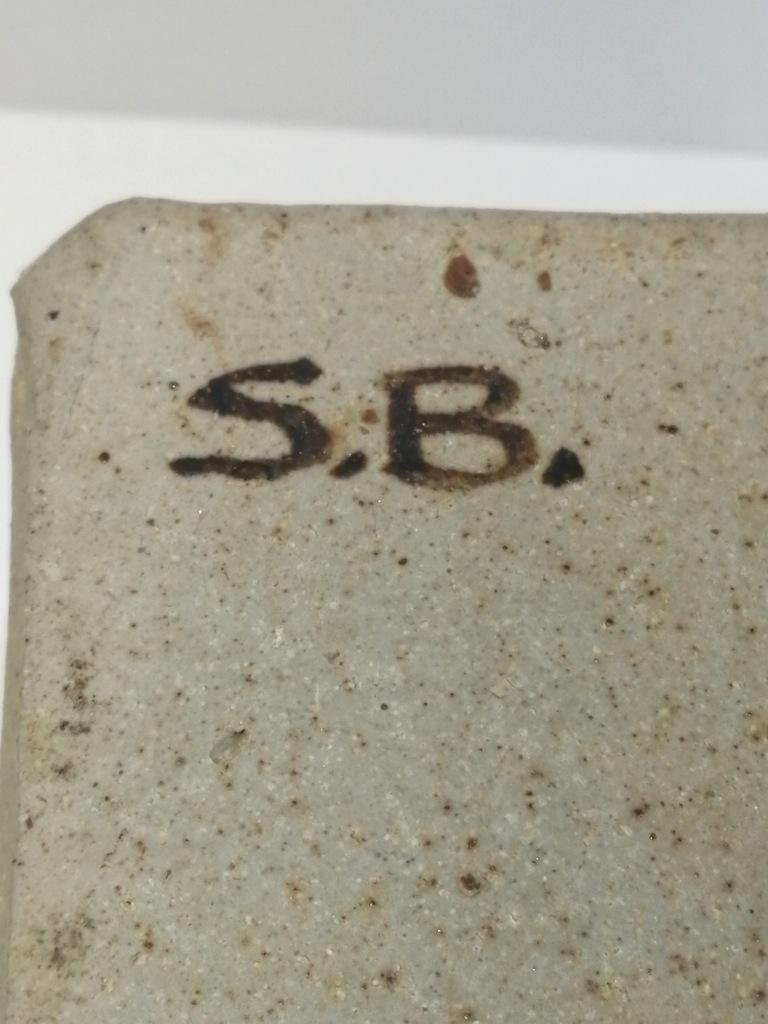 Stone ware Box signed S.B. Img_2011