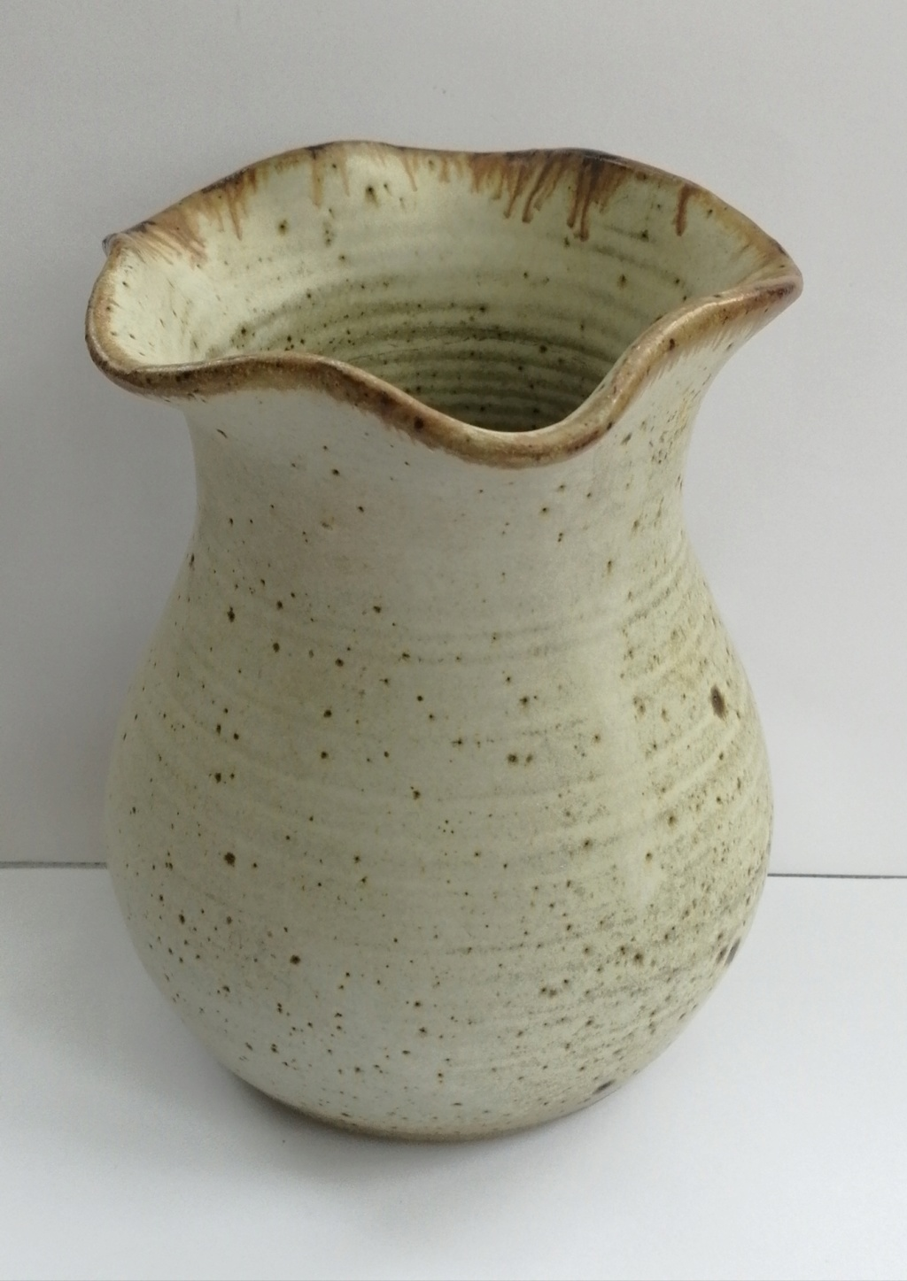 Stoneware Vase with fluted rim - Grace Lowe, Billericay, Essex  Img_2058