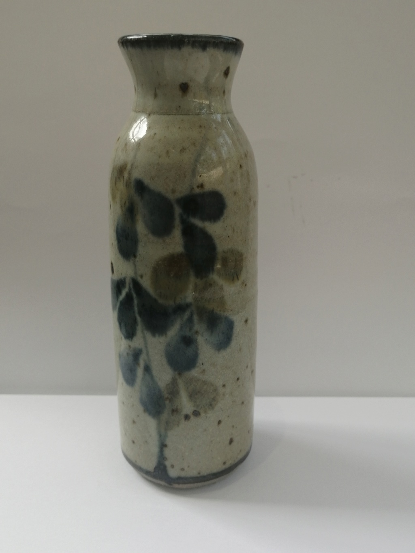 Impressed mark on stoneware vase - Colin Kellam  Img_2068