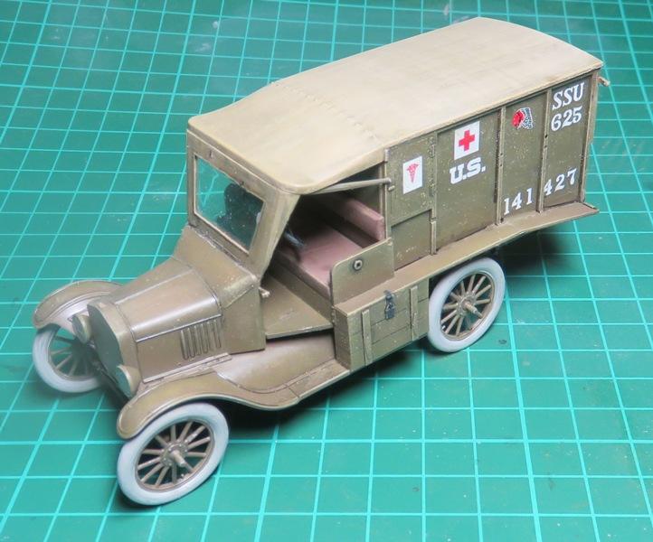 Ford T 1917 Ambulance [ICM 1/35] Img_5220