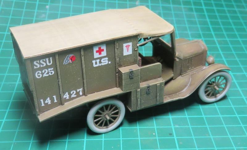 Ford T 1917 Ambulance [ICM 1/35] Img_5221
