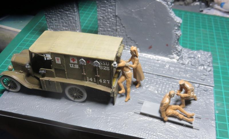 Ford T 1917 Ambulance [ICM 1/35] Img_5223