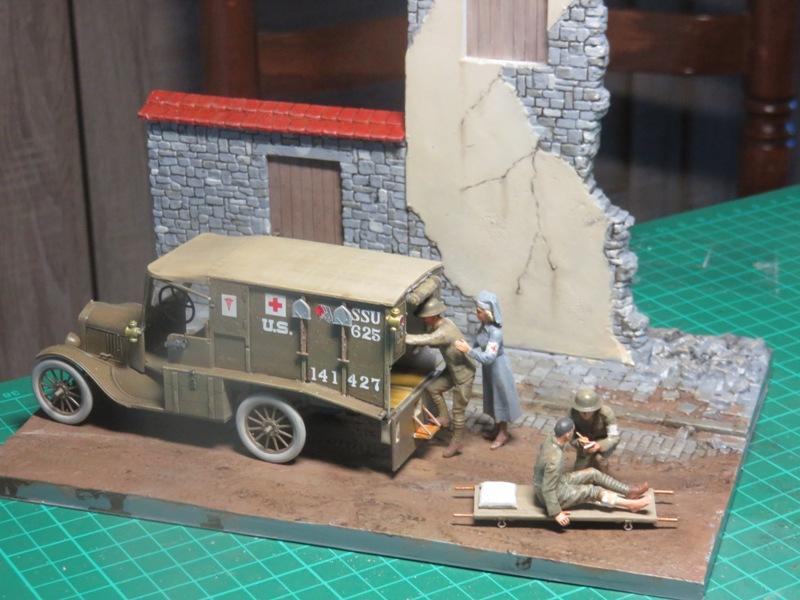 Ford T 1917 Ambulance [ICM 1/35] Img_5225