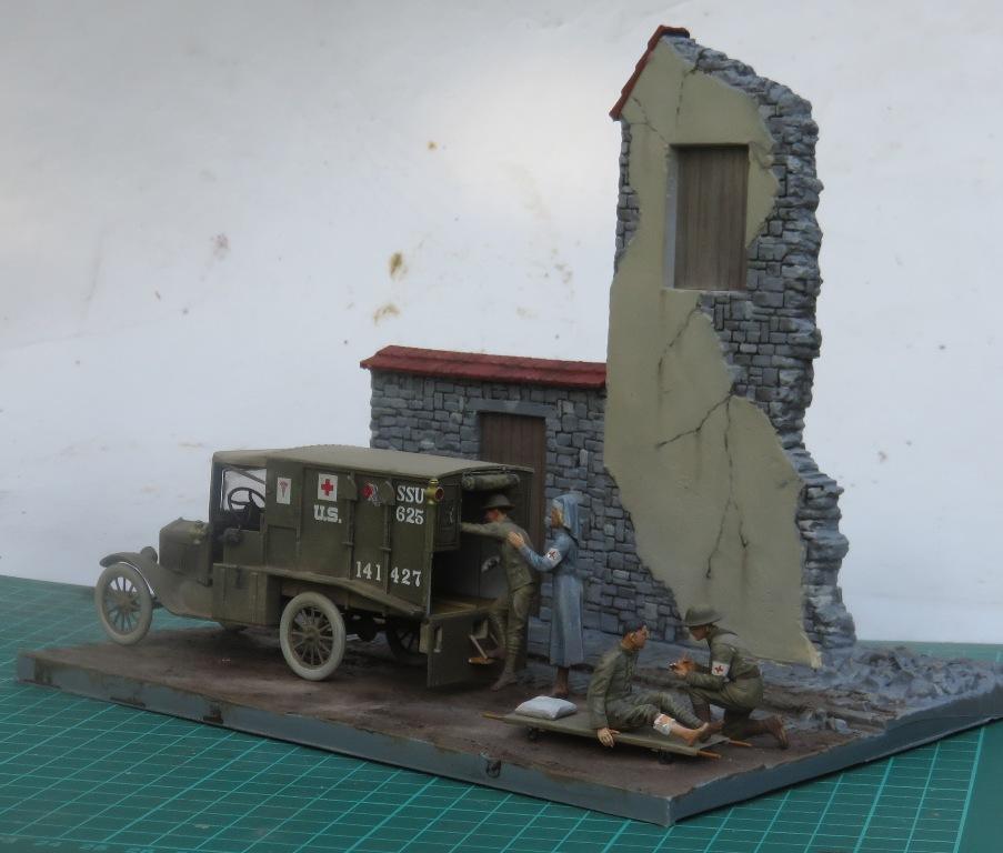 Ford T 1917 Ambulance [ICM 1/35] Img_5311