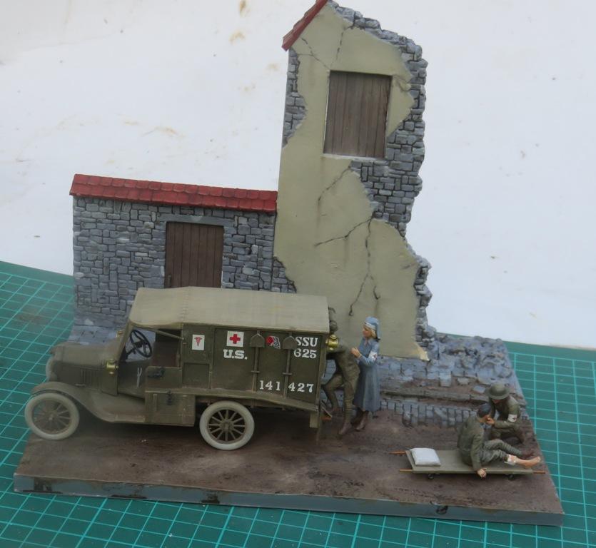 Ford T 1917 Ambulance [ICM 1/35] Img_5312