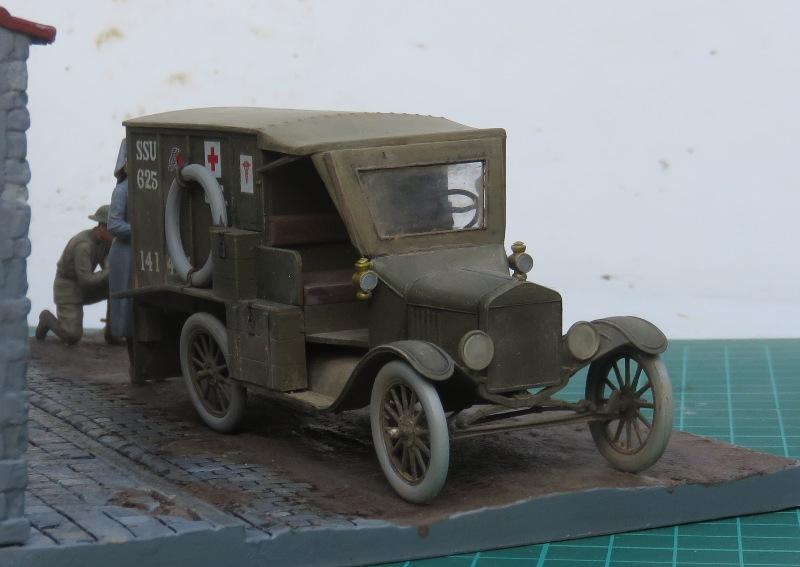Ford T 1917 Ambulance [ICM 1/35] Img_5313