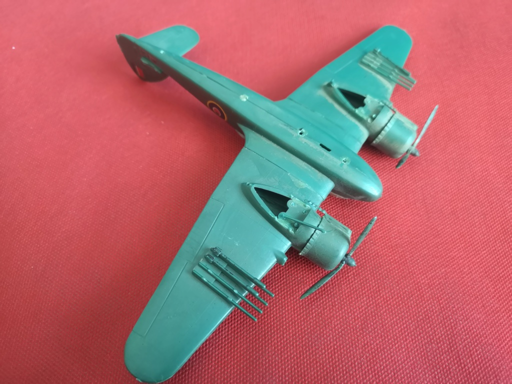 From the box - BRISTOL BEAUFIGTHER TF-X - AIRFIX - 1/72 - Terminé en page 4 Img_2363