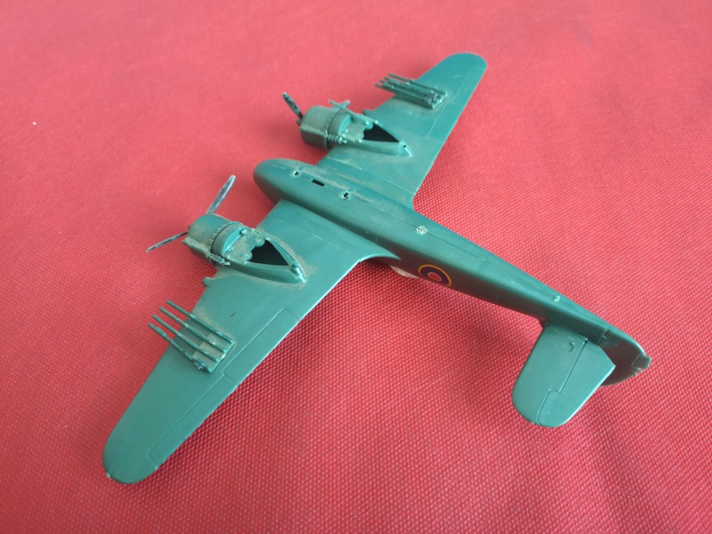 From the box - BRISTOL BEAUFIGTHER TF-X - AIRFIX - 1/72 - Terminé en page 4 Img_2366