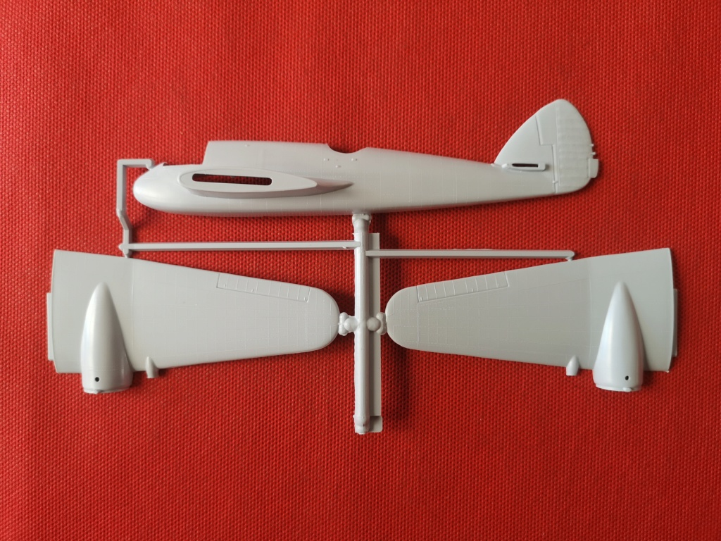 From the box - BRISTOL BEAUFIGTHER TF-X - AIRFIX - 1/72 - Terminé en page 4 Img_2373