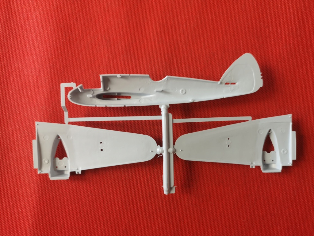 From the box - BRISTOL BEAUFIGTHER TF-X - AIRFIX - 1/72 - Terminé en page 4 Img_2379