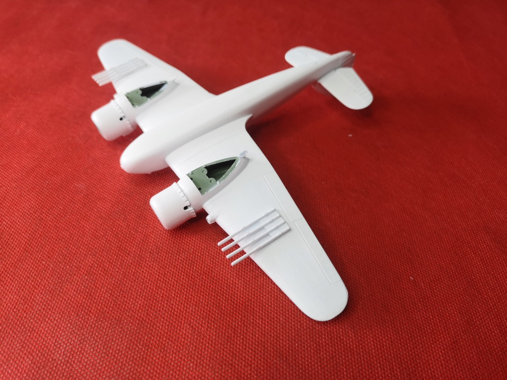 From the box - BRISTOL BEAUFIGTHER TF-X - AIRFIX - 1/72 - Terminé en page 4 Img_2392