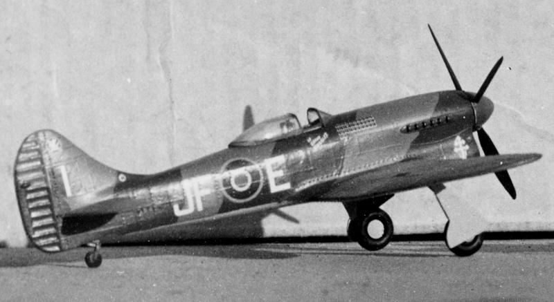 "Tempest V 1/48 ""Le Grand Charles"" - Eduard Hawker10"