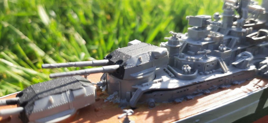 Bismarck - 1/700 - Revell Photo_30