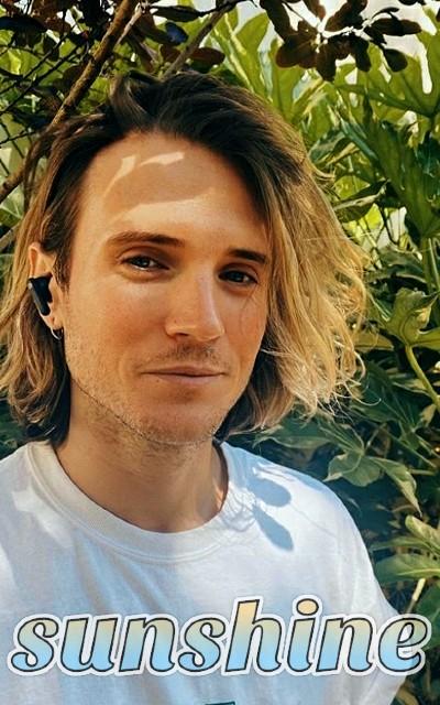Dougie Poynter avatars 400x640 pixels Edan_v10