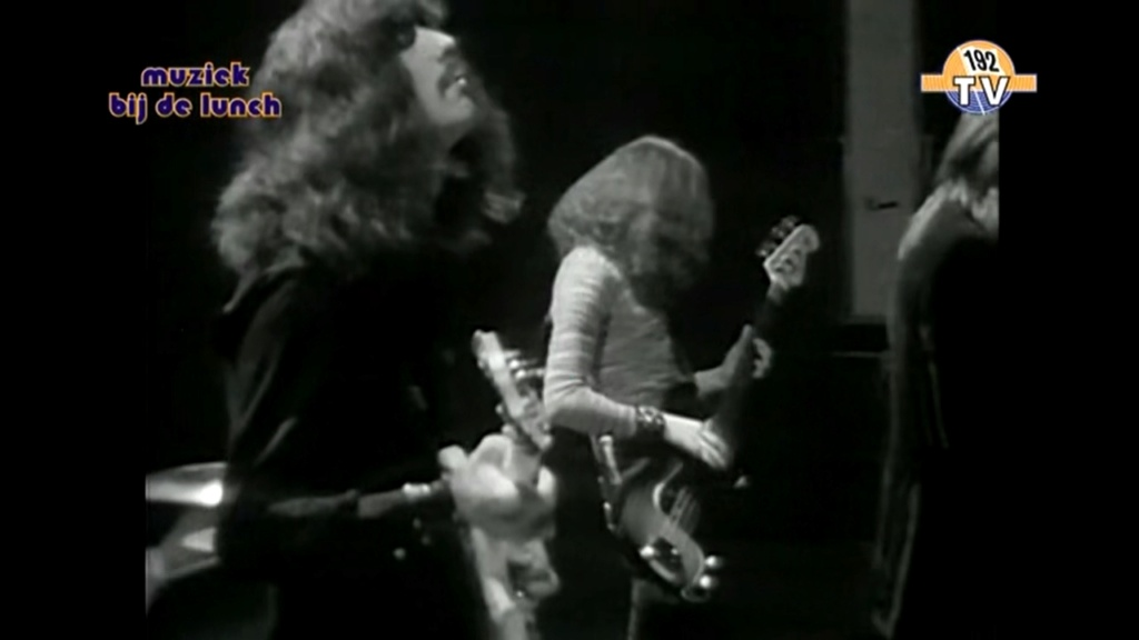 Black Sabbath - Paranoid Black_10