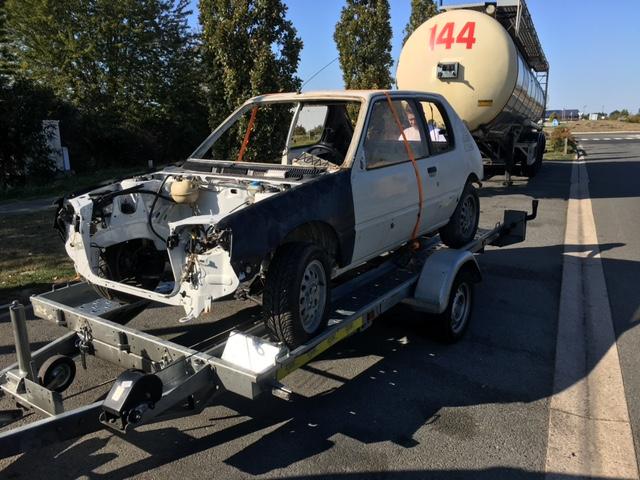 [59] 205 GTI 1L6 - 115cv - AM86 - Blanc Meije Img_4811