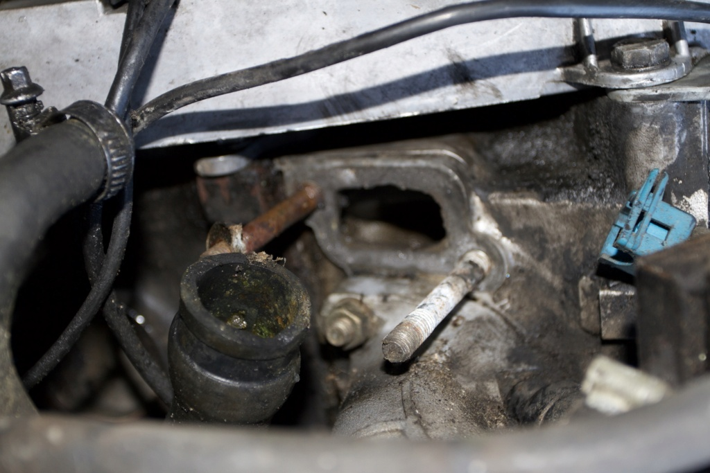 Remise en état d une BMW E30 320i - Page 2 4abf4210