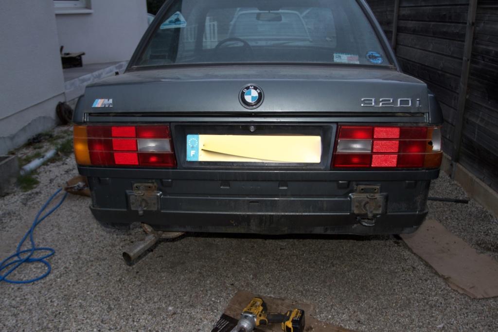 Remise en état d une BMW E30 320i - Page 5 B3d7d511