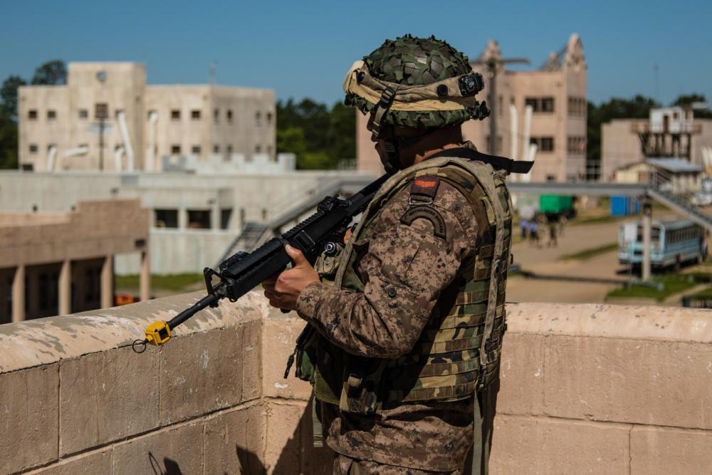 Armée Tunisienne / Tunisian Armed Forces / القوات المسلحة التونسية - Page 28 1000w_13