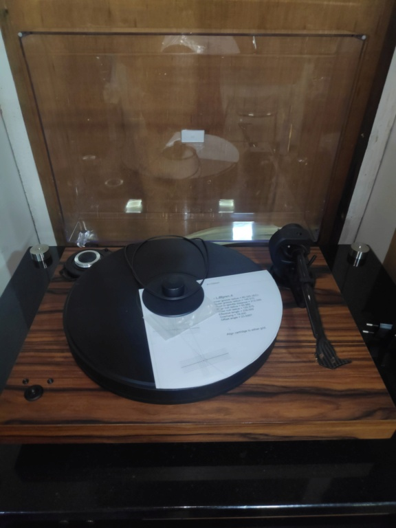Pro-ject 2Xperience SB turntable(USED) Img_2085