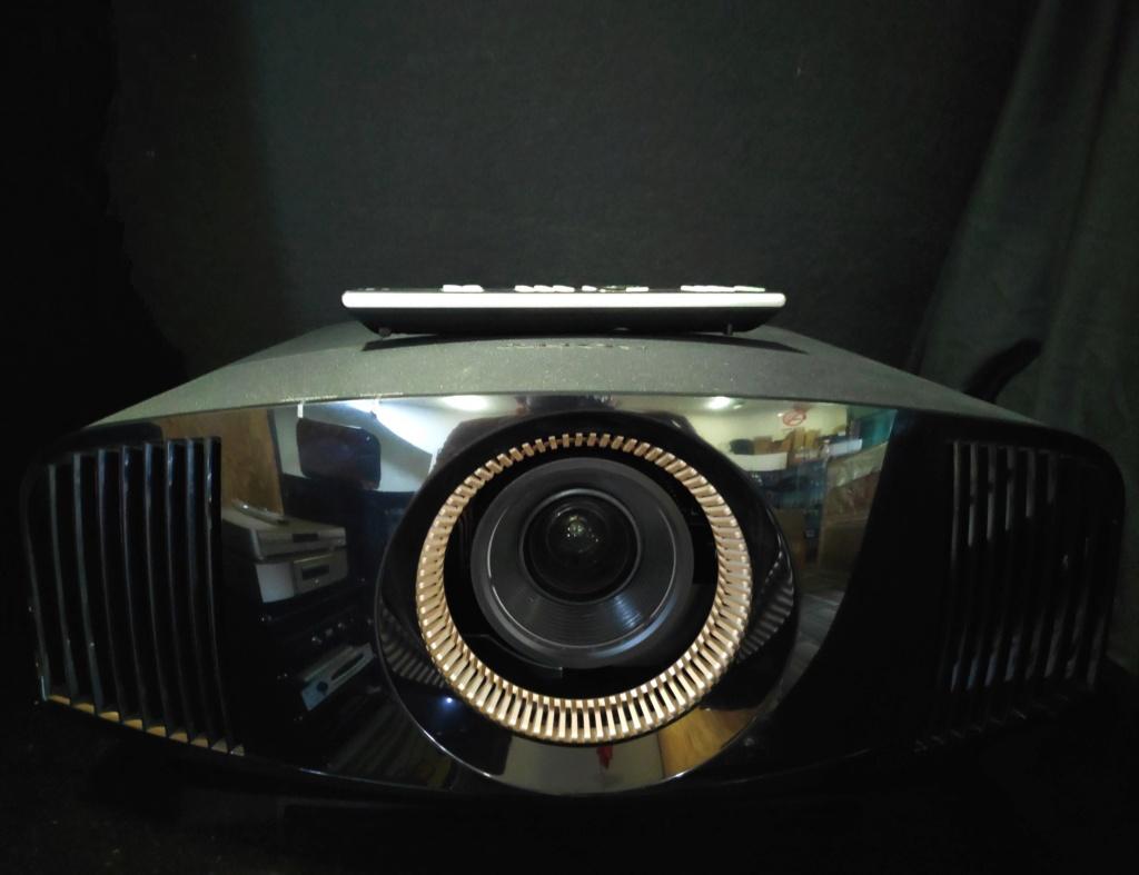 SONY VPL-VW320ES Cinema Projector (used) Img_2111
