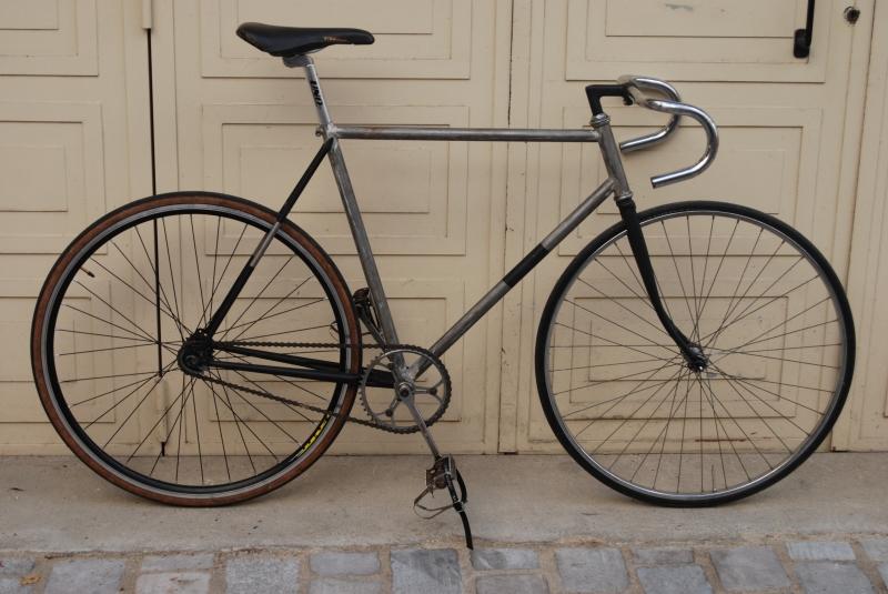 la comparaison entre deux vélo  3wv2pc10