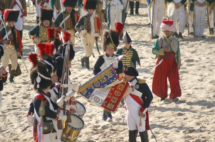 Le geste fort du Général Puga lors de la prise d'armes de la Saint-Michel au 2e REP de Calvi Napole10