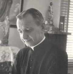 Un prêtre d'HONNEUR à connaître ! Images10