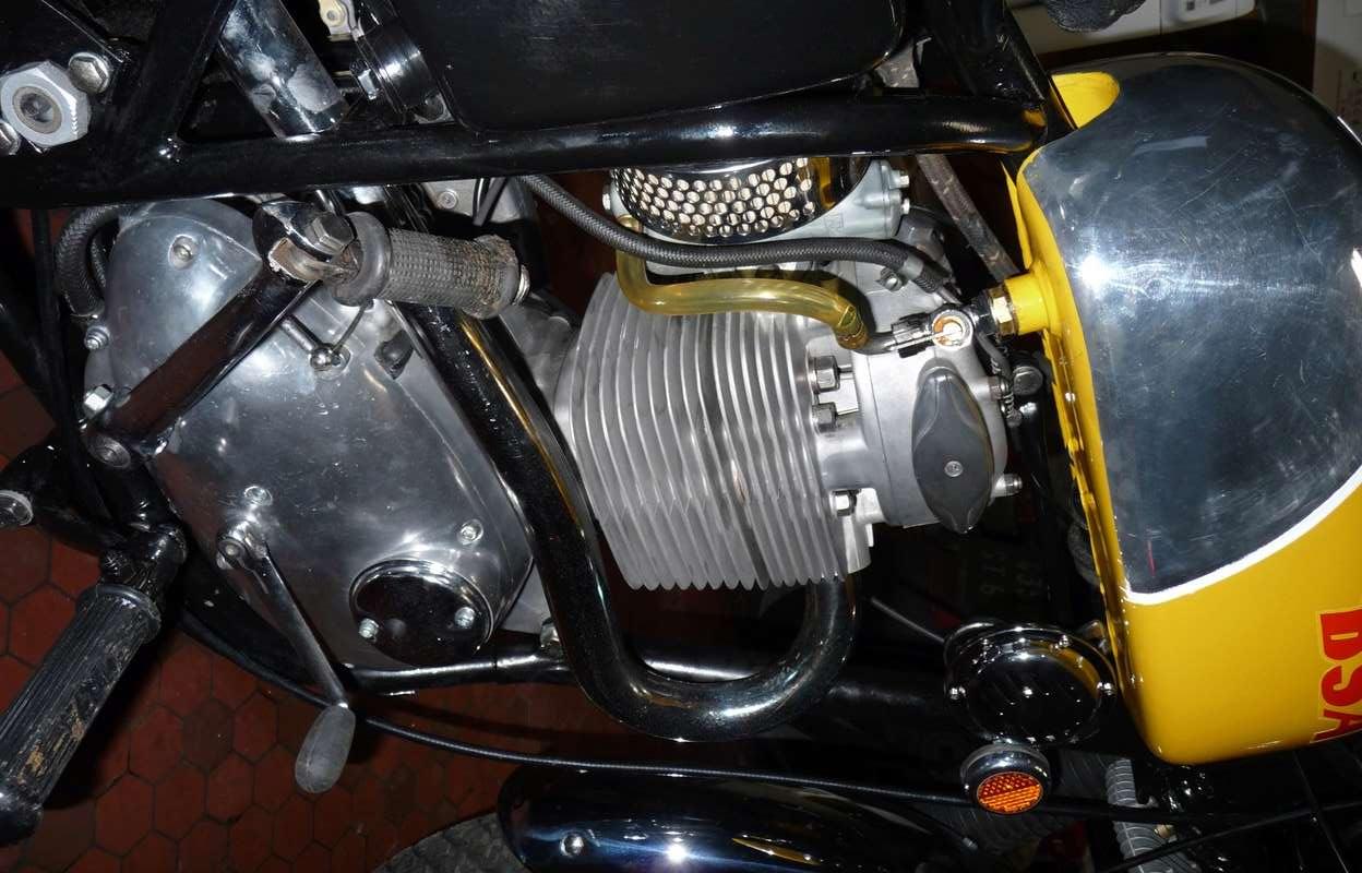 Galerie motos des fofoteurs * Bsa_vi17