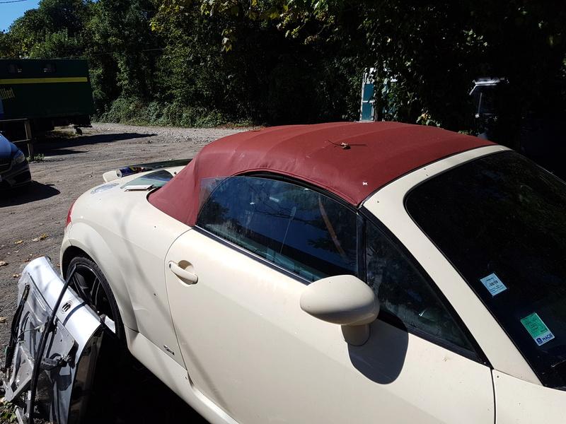 Audi TT Roadster - Capote rouge 20160910