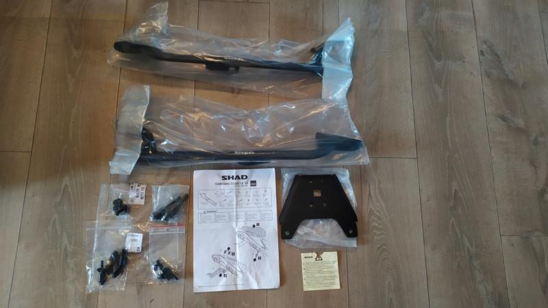 VENDS Support top case SHAD Kawasaki Z1000SX KOZS18ST neuf Stc110