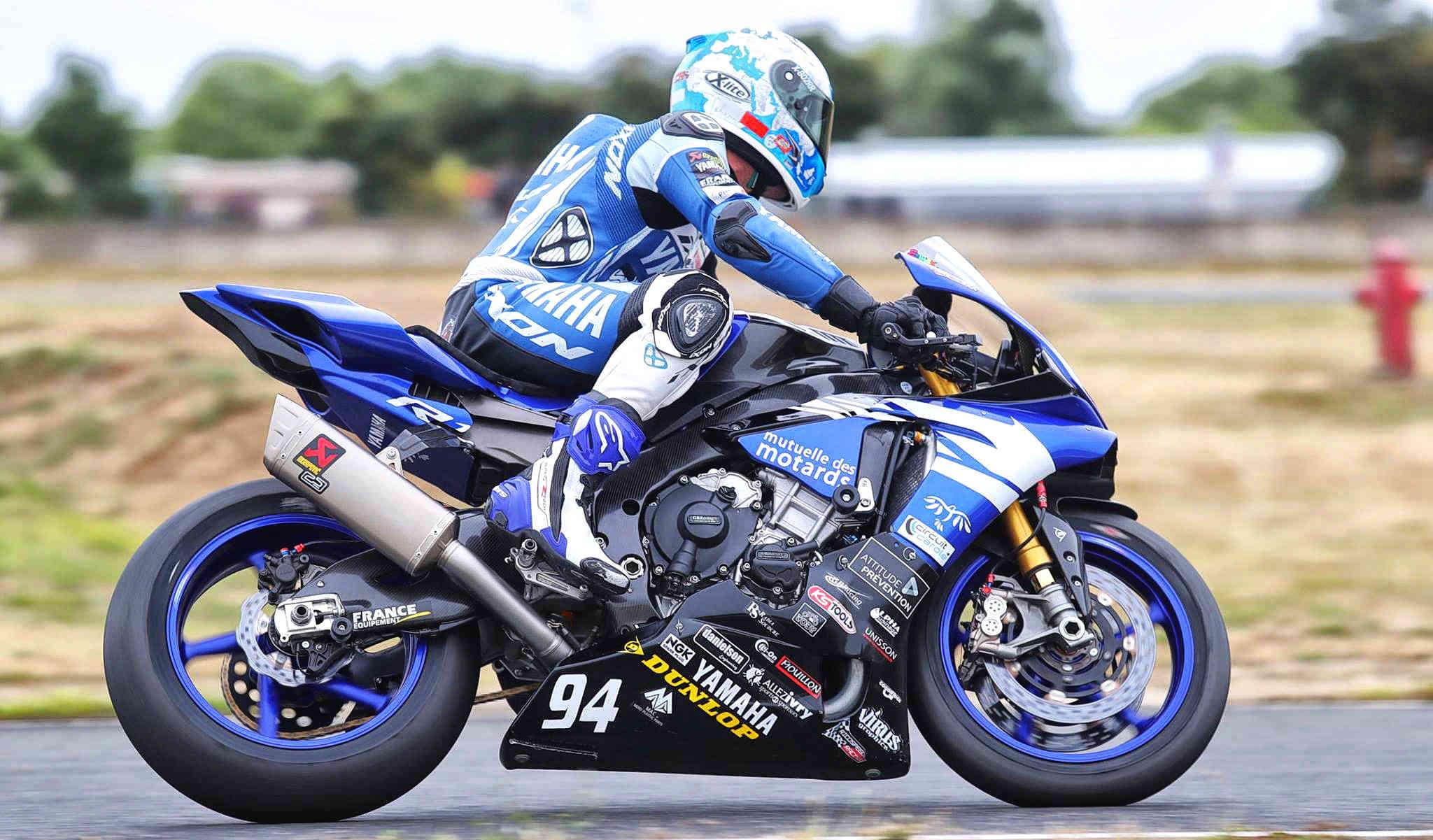 Yamaha R1 et R1M  Crossplane 2015 ( sujet numero3 ) - Page 8 14241511