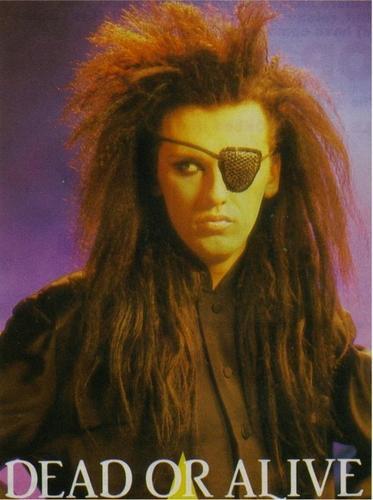 Morto Pete Burns, il cantante dei Dead or Alive Doa-de10