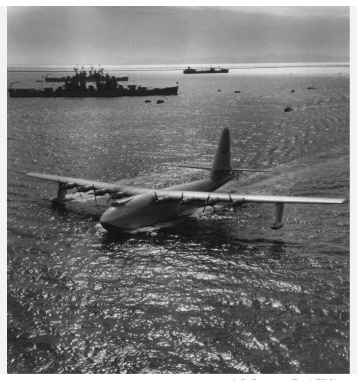 "Hughes H-4 Hercules ""Spruce goose"" (1/200ème - Minicraft Model Kits) Hydrop12"