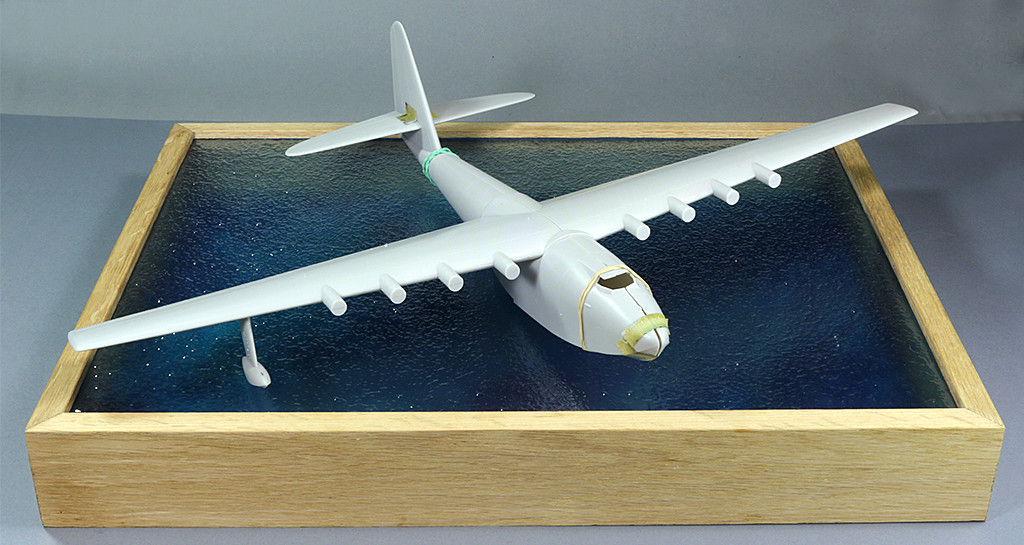 "Hughes H-4 Hercules ""Spruce goose"" (1/200ème - Minicraft Model Kits) Img_9610"