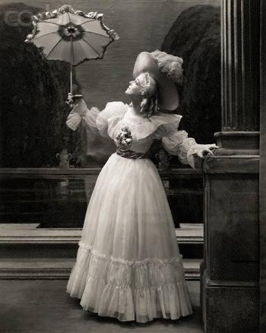Sarah Bernhardt en Marie-Antoinette - Page 2 14358910