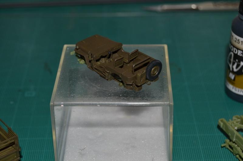 """La 2ème DB """"Jeep - GMC CCKW353 - Sherman M4a2""""  [Heller 1/72] Dsc_0059"""
