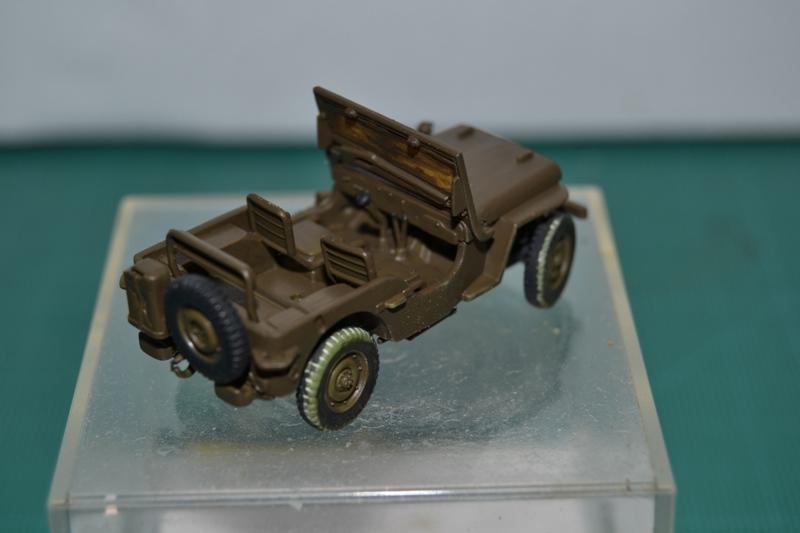 """La 2ème DB """"Jeep - GMC CCKW353 - Sherman M4a2""""  [Heller 1/72] Dsc_0067"""
