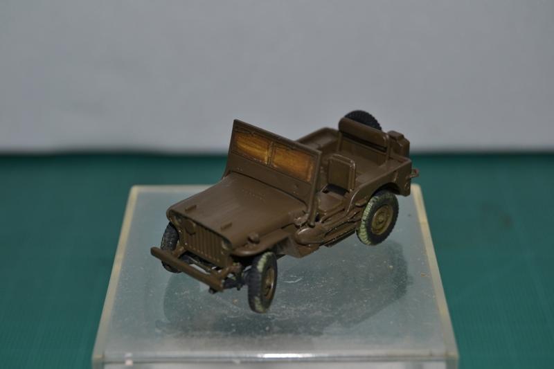 """La 2ème DB """"Jeep - GMC CCKW353 - Sherman M4a2""""  [Heller 1/72] Dsc_0068"""